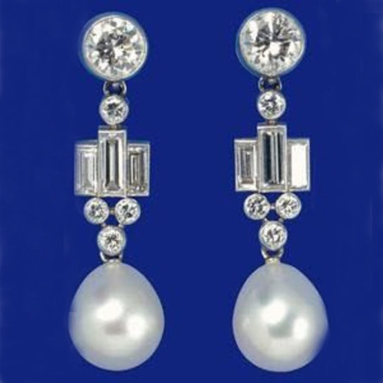 Queen's Bahrain Pearl Drop Earrings