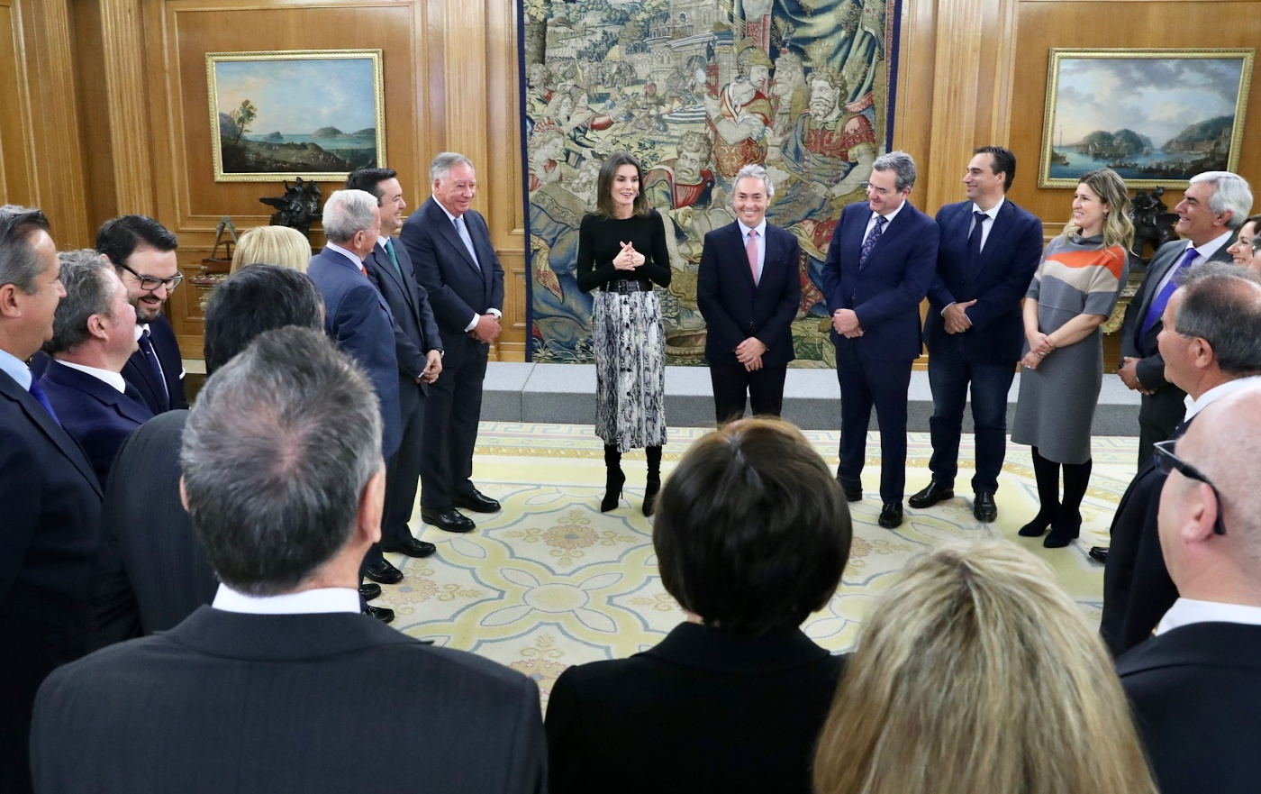Queen Letizia of Spain met with the team of the International Fruit and Vegetable Industry Fair