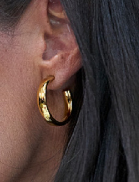 Queen Letizia wore gold hoop earrings during the cuba visit debuted at the vocational course opening in september 2019