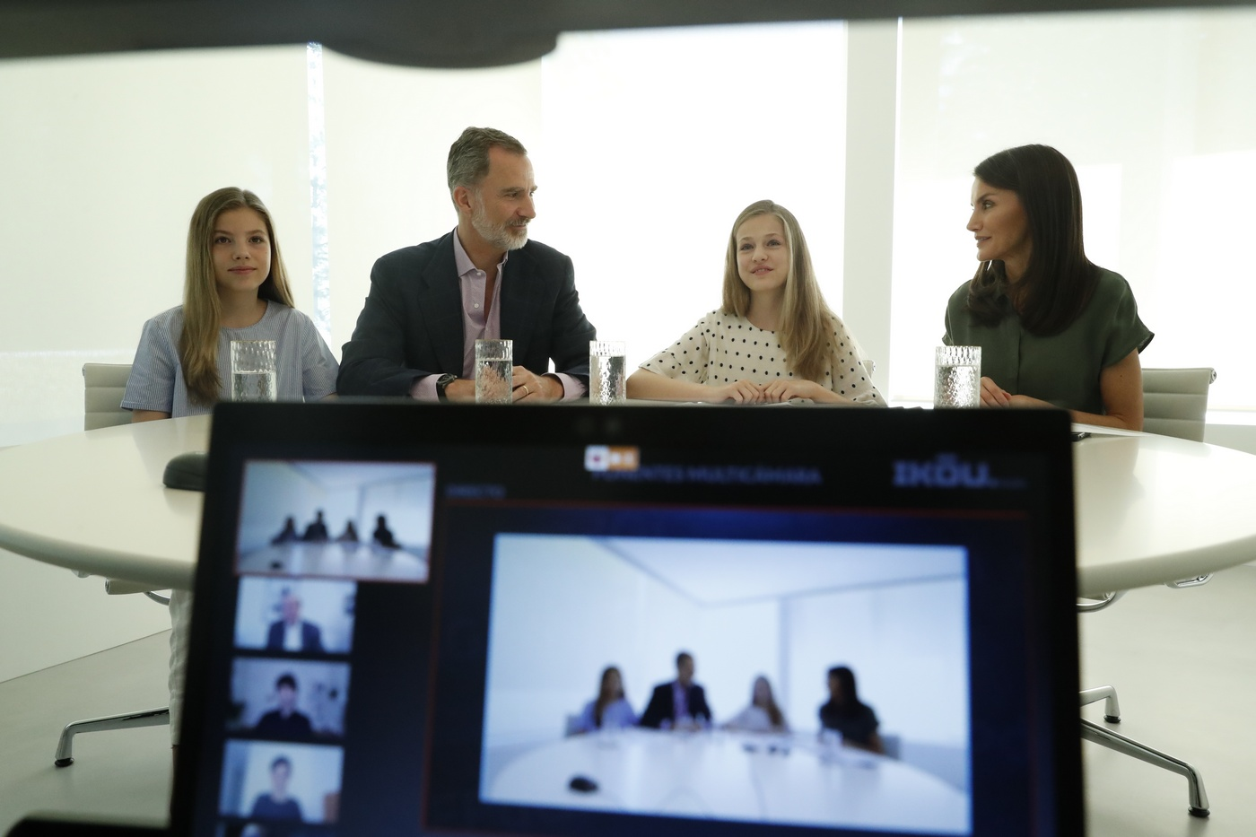 King Felipe, Queen Letizia, Princess Leonor and Infanta Sofía during the video conference with the FPdGi