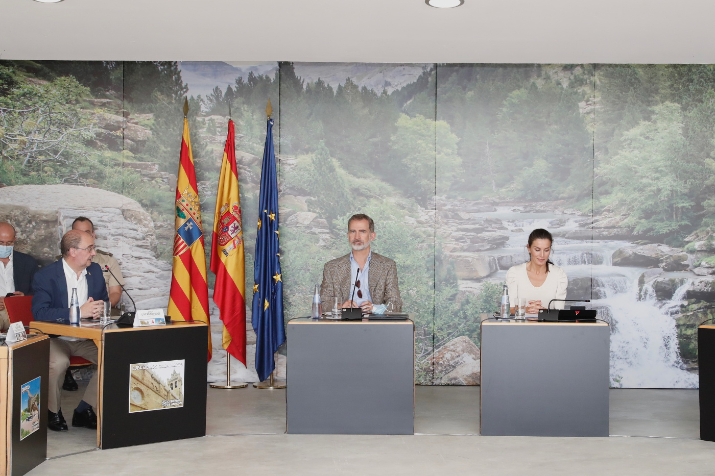 King Felipe and Queen Letizia held a meeting with the tourism sector of Aragon in Huesca