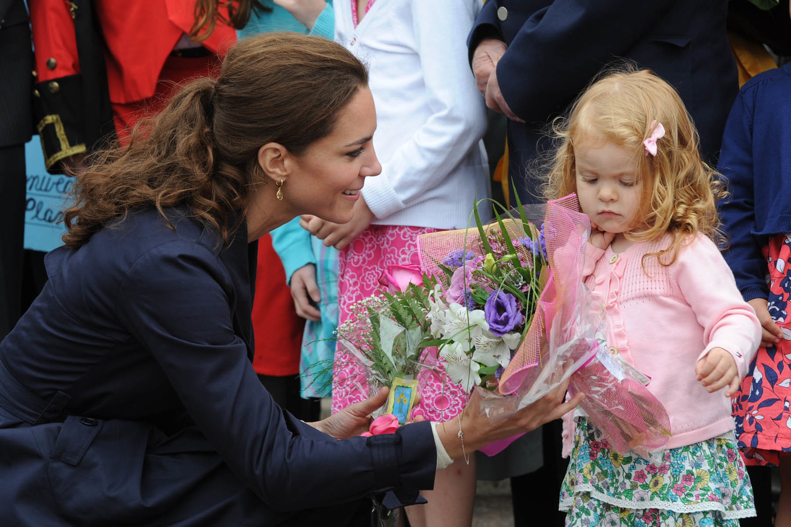 The Duchess of cambrdige received floral welcome in northwest territories