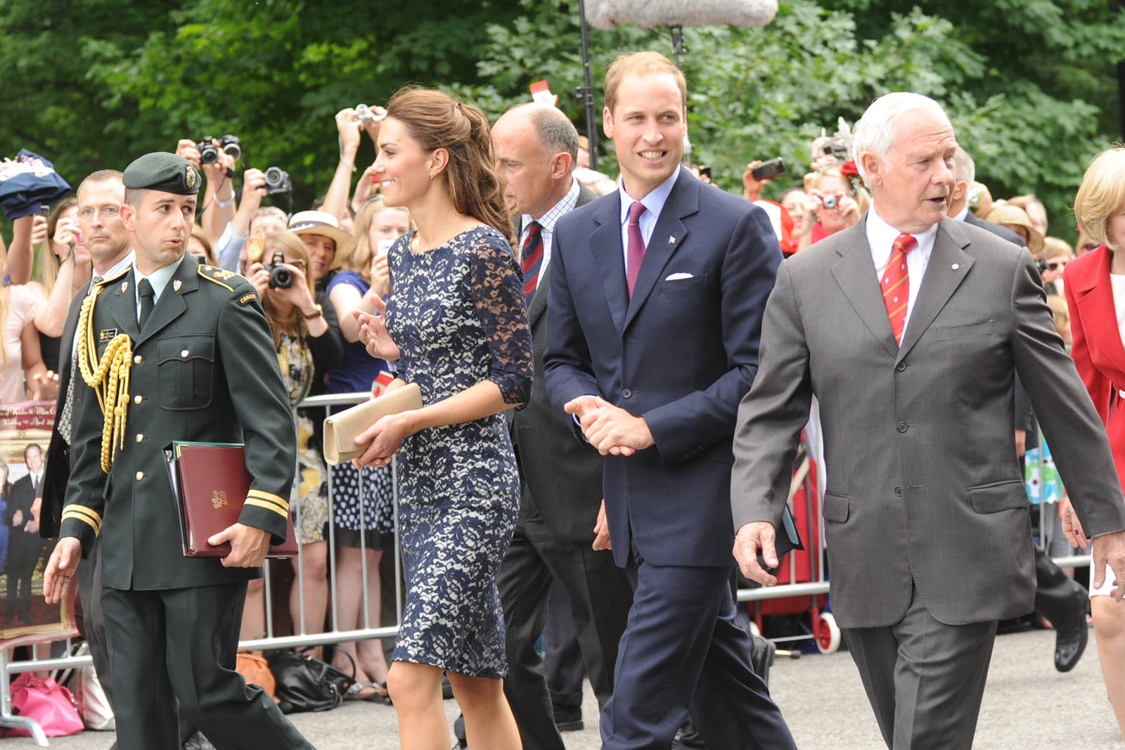 The Duke and Duchess of cambridge had a longer walkabout during the royal tour of canada in 2011