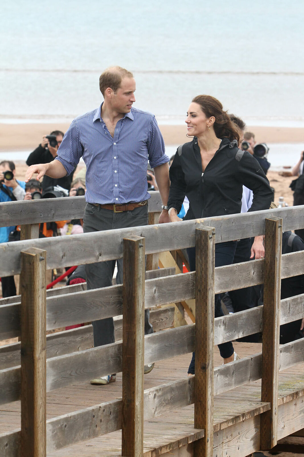 The Duke and duchess of Cambridge challenged each other for a boat race