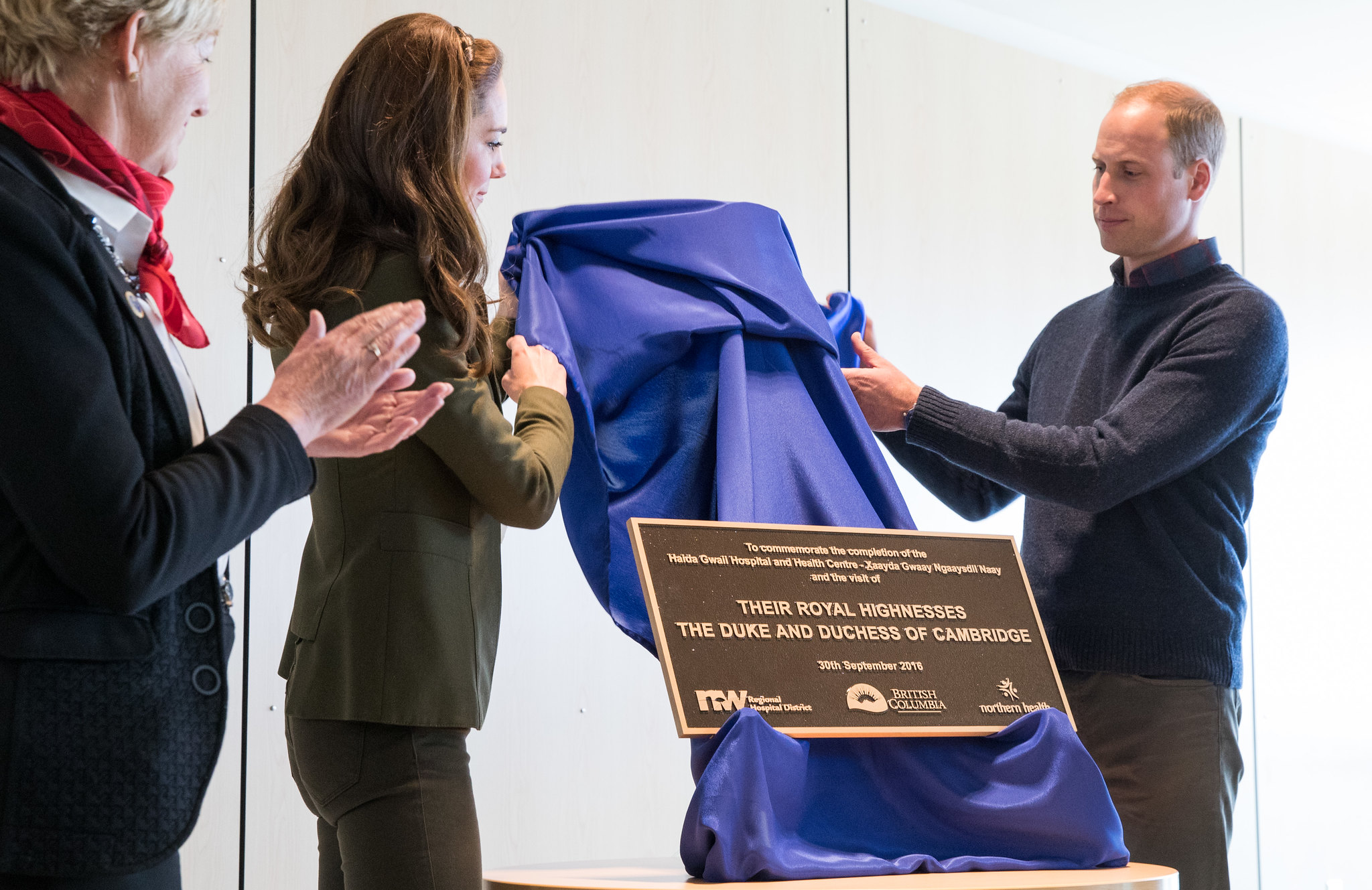 The Duke and Duches of Cambridge unveiled a plaque in Queen Charlotte during canada tour