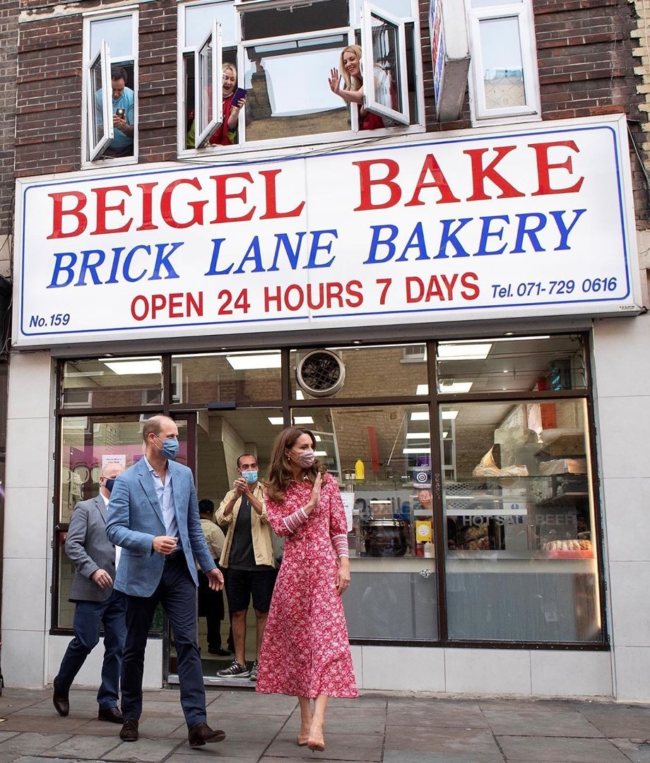 The Duke and Duchess of Cambridge left the london bakery among cheers